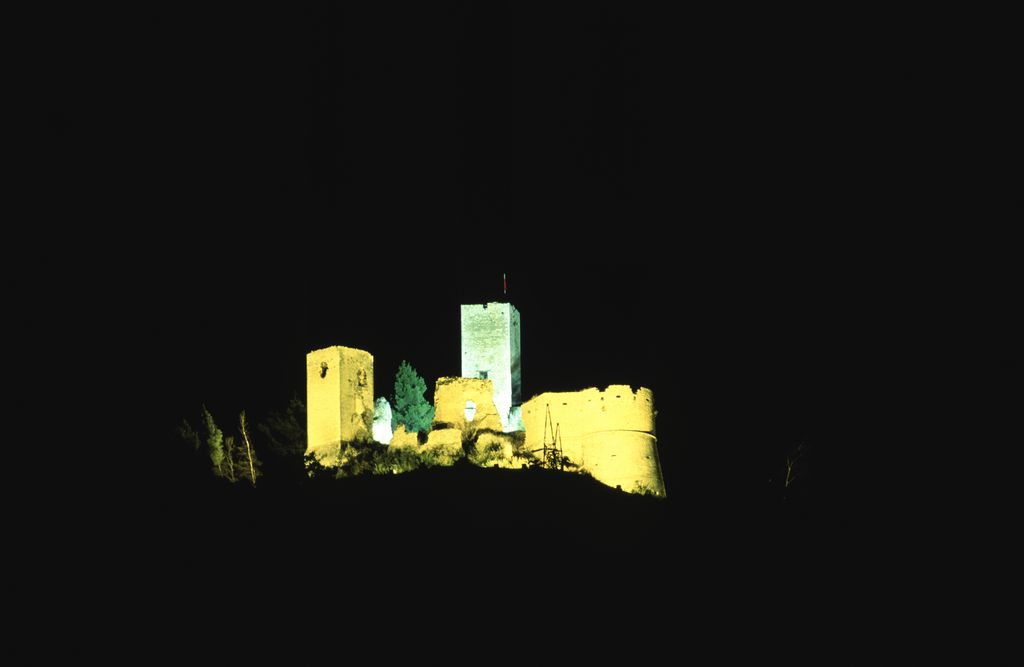 castello di popoli visione notturna