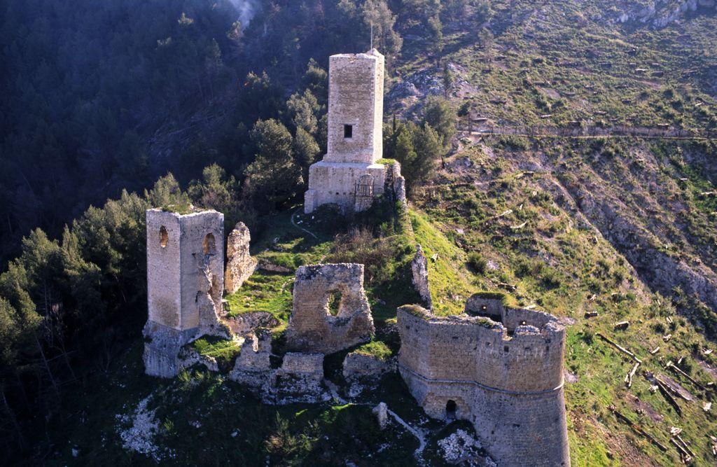 Castello di Popoli veduta frontale